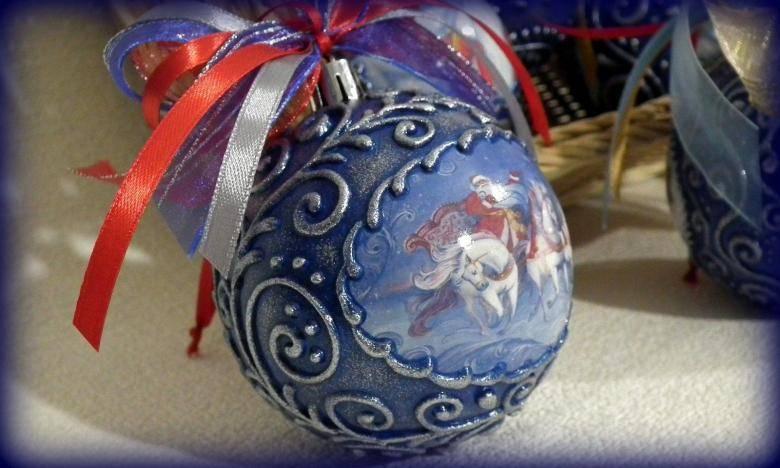 Декупаж новогодних шаров: топ - 20 идей и мастер-классы пошагово с фото