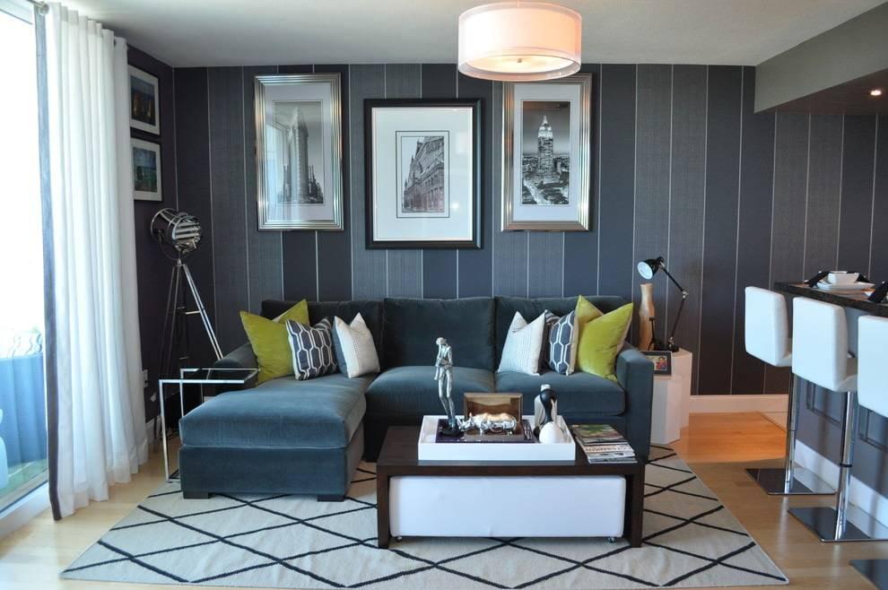 Синий диван в интерьере гостиной – психология света и красивые сочетания - 21 фото
