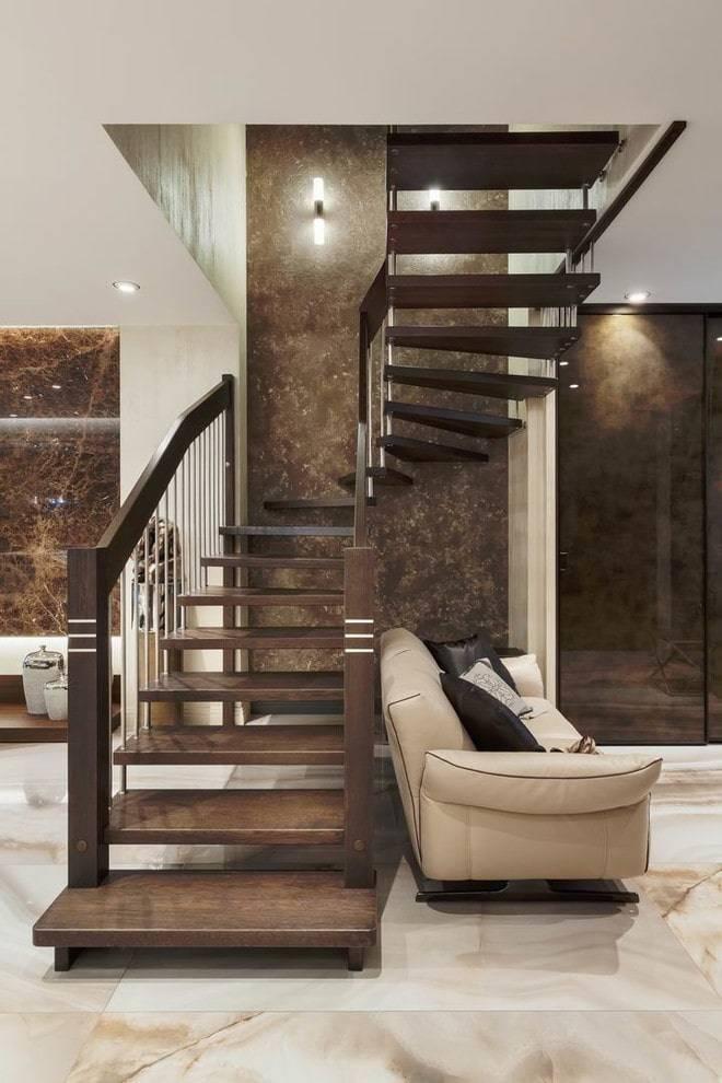 Гостиная с лестницей и камином — полезно знать