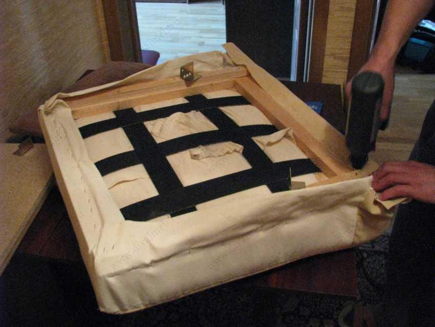 Как перетянуть кресло своими руками: как перешить пошагово, какой тканью можно обшить
