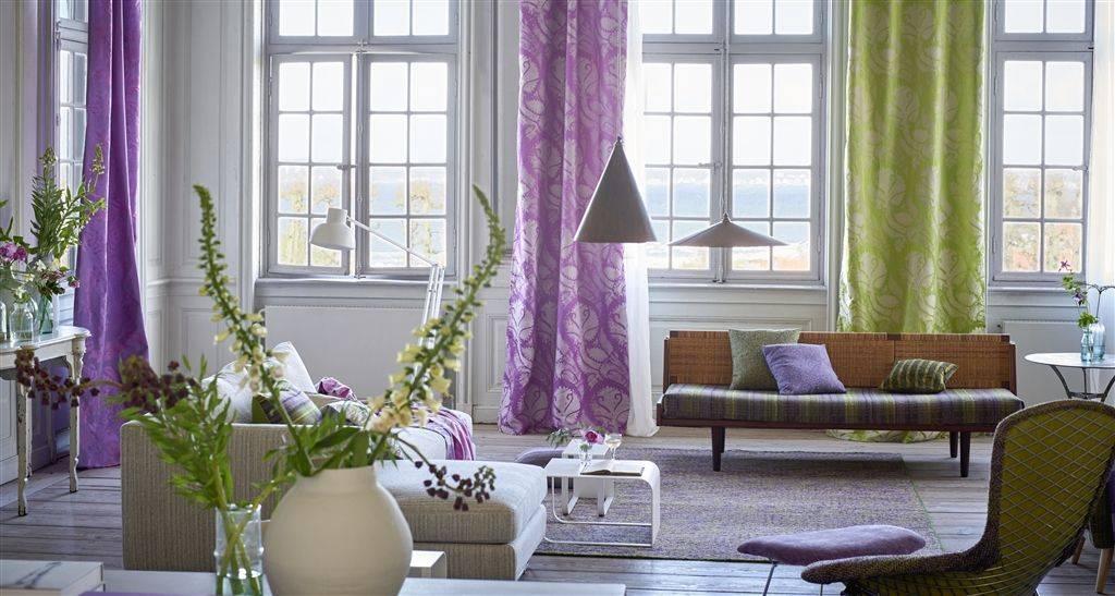 Бархатные шторы в интерьере: разнообразие вариантов