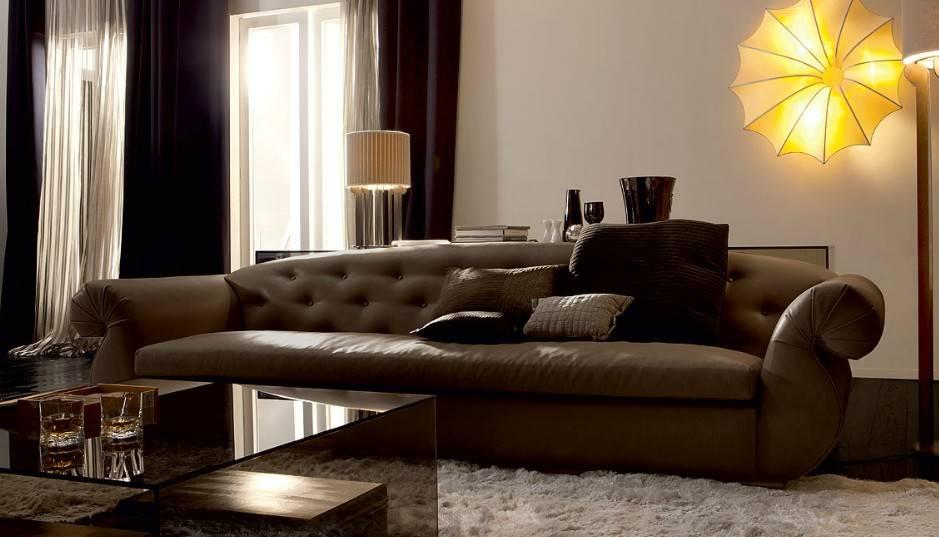 Диван серого цвета в интерьере: как сделать его украшением комнаты?