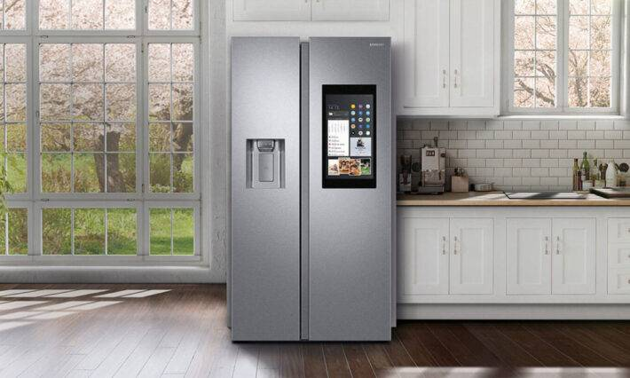 Холодильник в интерьере кухни +75 фото и рекомендации по выбору