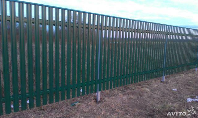 Забор из штакетника – основные виды, характеристики и особенности монтажа (110 фото)