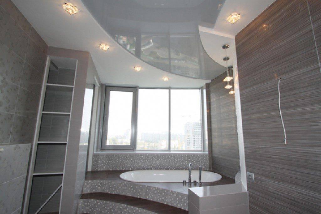 Натяжной потолок в ванной комнате – достоинства, недостатки, рекомендации по дизайну и отзывы