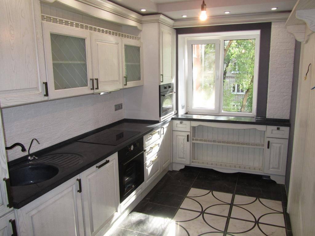 Стол-подоконник на кухне, разновидности конструкций и материалов
