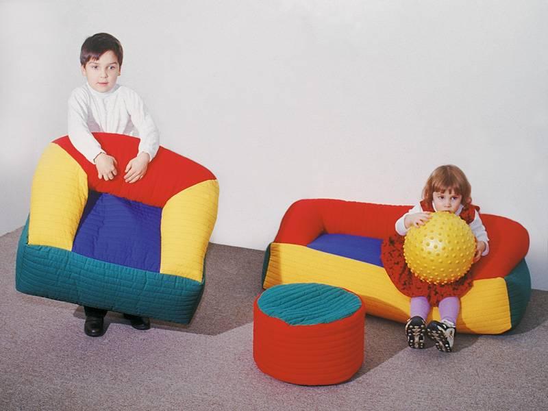 Пуфики в интерьере: 80+ фото, идеи для гостиной, прихожей, детской и других комнат