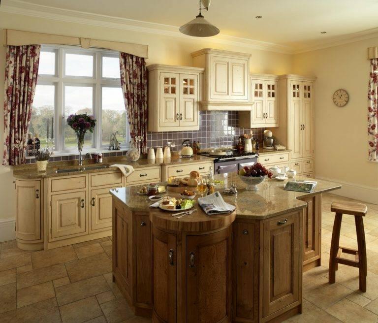 Дизайн кухни в деревенском стиле: отделка, мебель - 75 фото