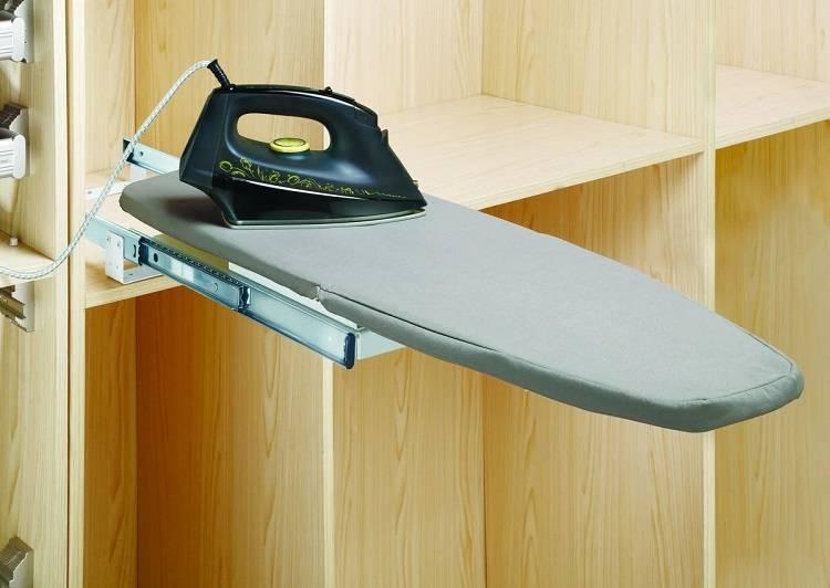 Шкаф с выдвижной гладильной доской