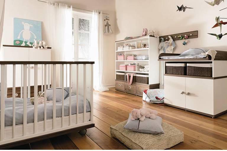 Спальня с детской кроваткой: 42 идеи стильного интерьера
