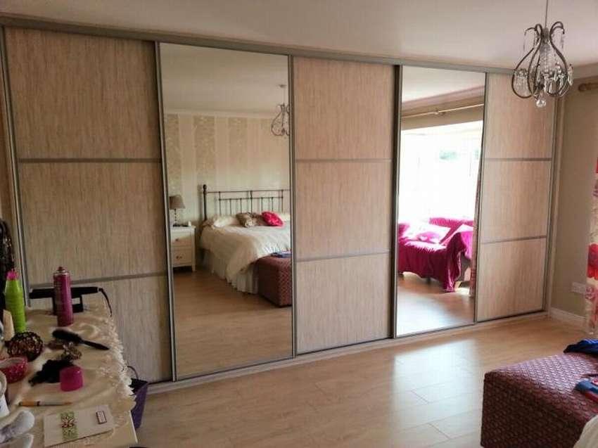 Встраиваемые шкафы купе в спальню — идеи для интерьера