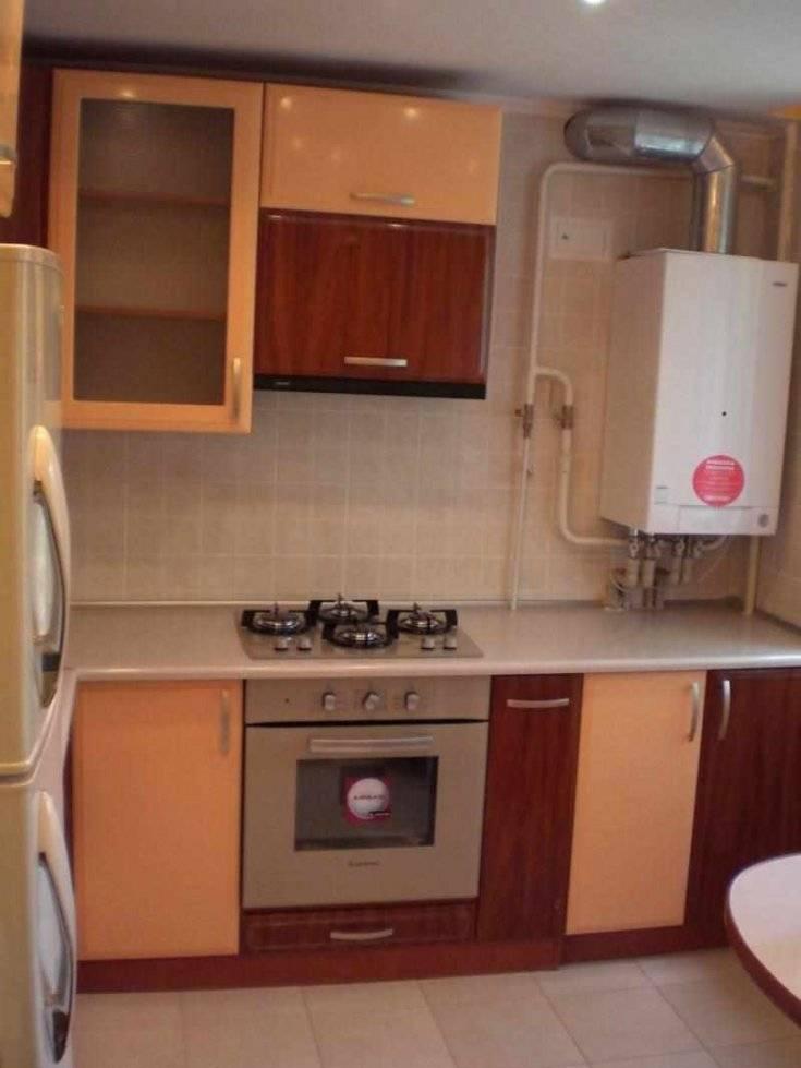 Дизайн кухни с котлом отопления (53 фото): угловые кухни с котлом индивидуального отопления в углу, другие варианты