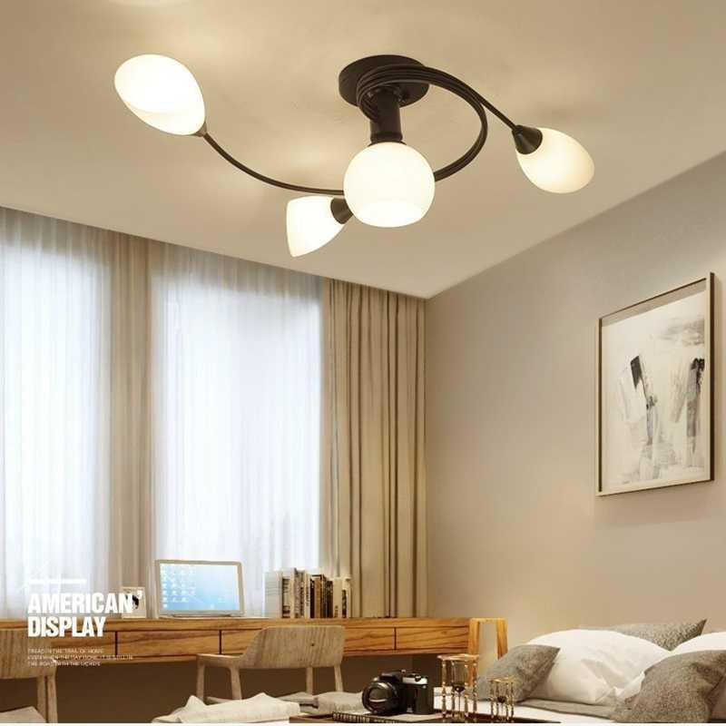 Люстры в интерьере, цвета и типы современных моделей, выбор под стиль комнаты - 26 фото
