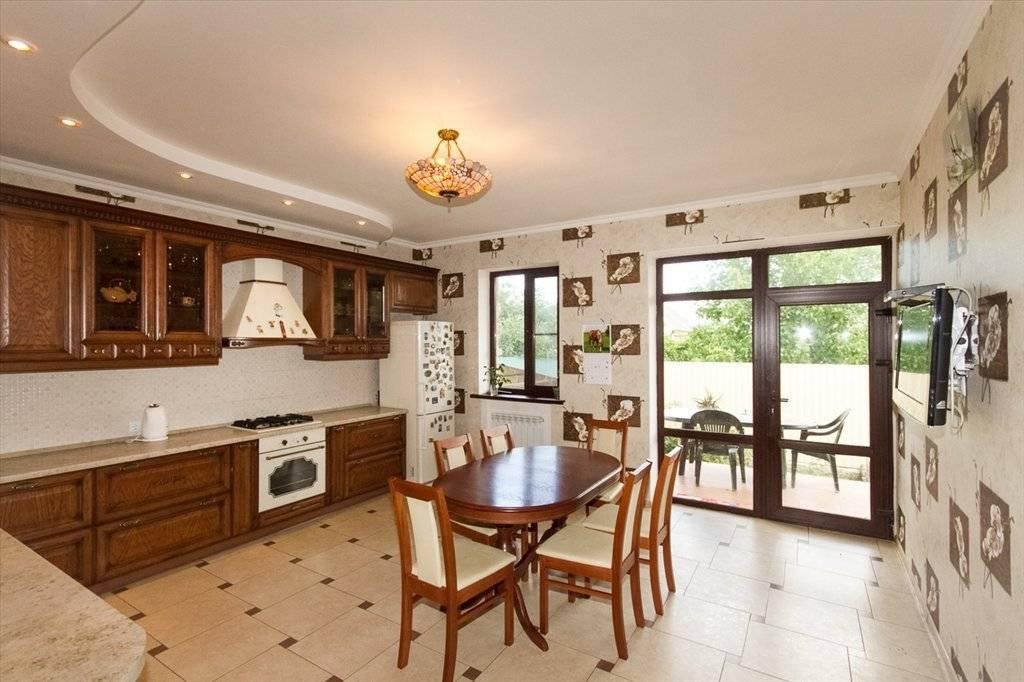 Дизайн кухни в загородном доме +75 фото интерьера