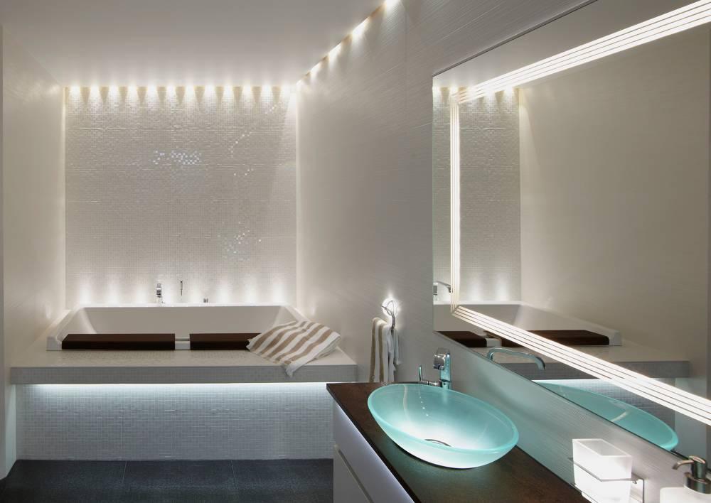 Освещение в ванной комнате (88 фото): примеры дизайна маленькой и большой комнаты с подсветкой, выбор влагозащищенной светодиодной ленты и других светильников