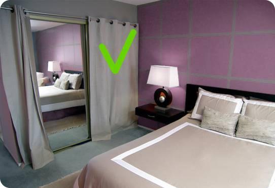Можно ли повесить зеркало в спальне напротив кровати