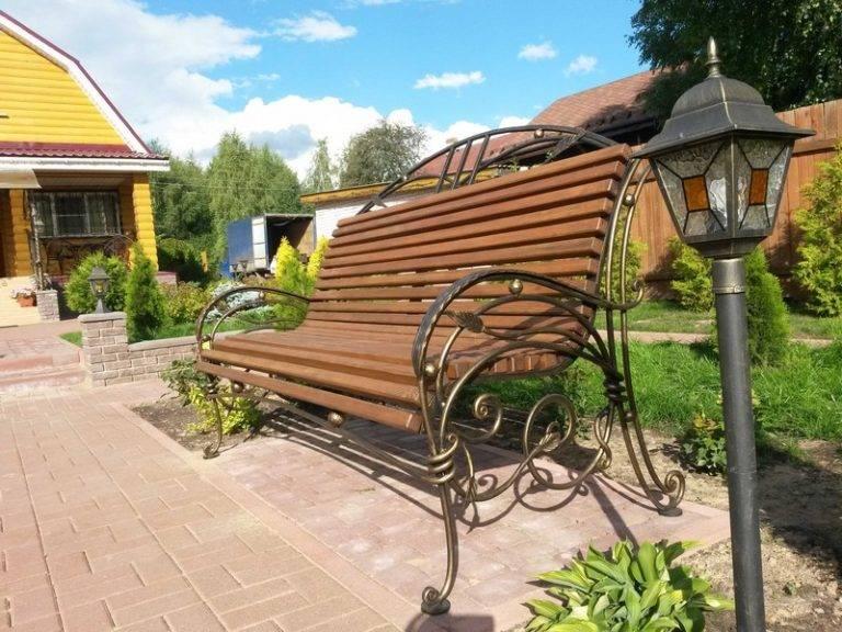 Садовая скамейка как декоративный элемент сада — виды, особенности выбора и применения (150 фото)