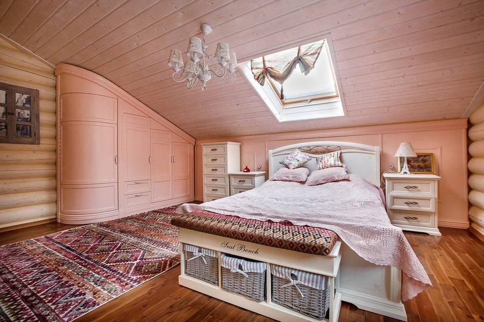 Дизайн спальни в деревянном доме: расположение комнаты, стили оформления и особенности интерьера