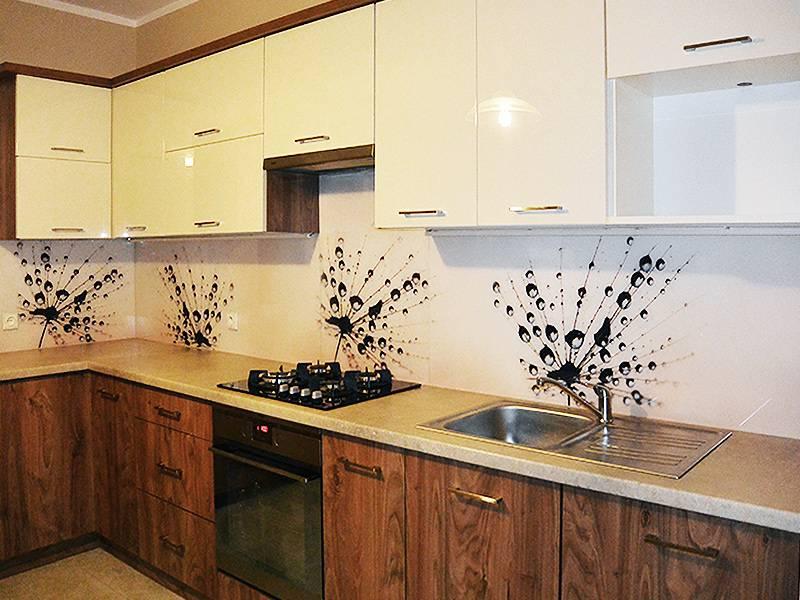 Кухонные панели-фартуки: разновидности и материалы изготовления, преимущества панелей для кухни из пвх