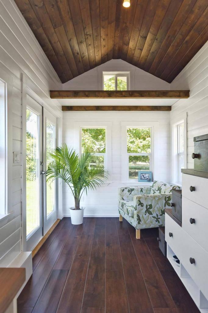 Покраска вагонки внутри дома: фото интерьера и пошаговая инструкция