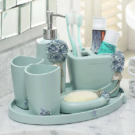 Аксессуары для ванных комнат — выберите практичные и элегантные аксессуары