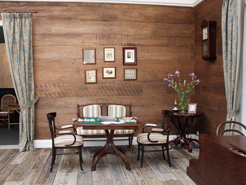 Дерево на стене в интерьере: идеи декора +75 фото