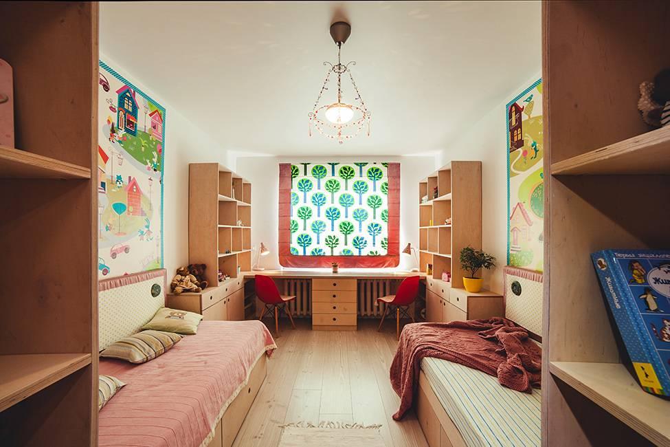 Дизайн узкой комнаты: детская и гостиная с окном в конце, как обставить прямоугольную длинную комнату 3 на 6, расставить мебель на двоих  - 15 фото