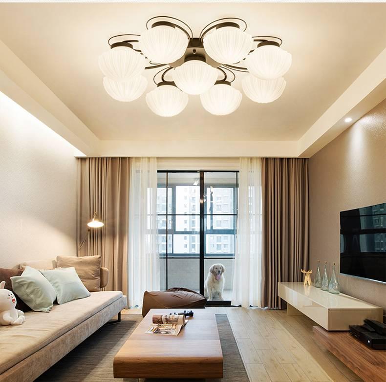 Потолок в зале (155 фото): реальные примеры красивого дизайна потолка