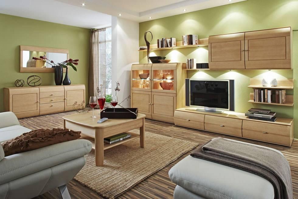 Рекомендации по выбору дизайна деревянной мебели в гостиную