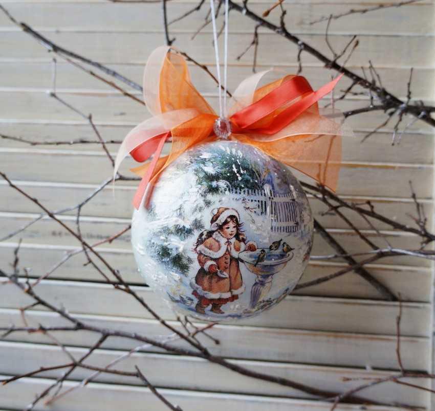 Декупаж новогодних шаров: особенности и необычные идеи