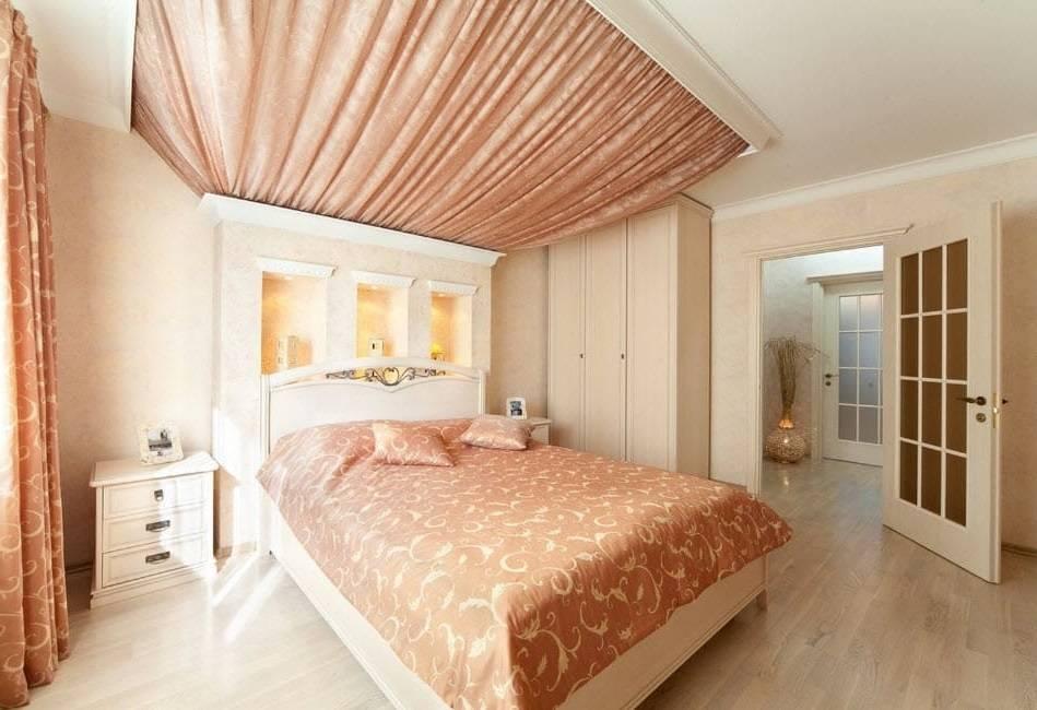 Потолок в спальне: 125 фото современных уникальных подходов к оформлению