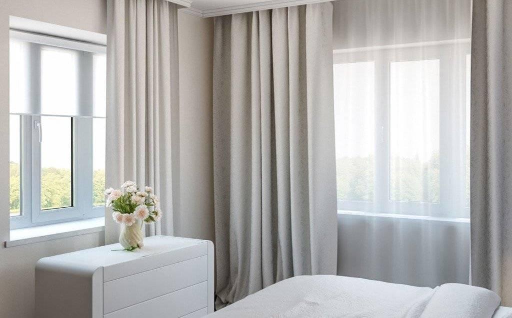 Гостиная с двумя окнами (38 фото) идеи дизайна и варианты планировок