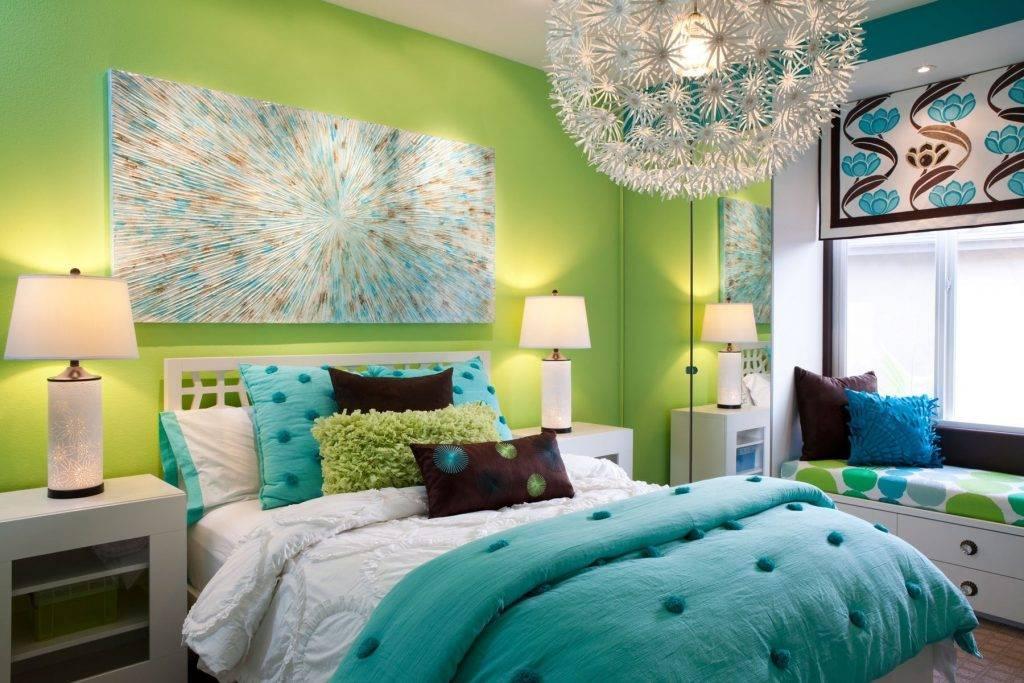 Зеленый цвет в интерьере: темно-зеленый, салатовый, серо-зеленый, сочетание с другими цветами в гостиной  - 42 фото