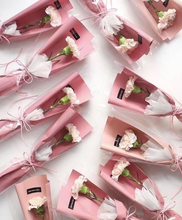 Как упаковать цветы со вкусом - правила и варианты оформления флористической композиции