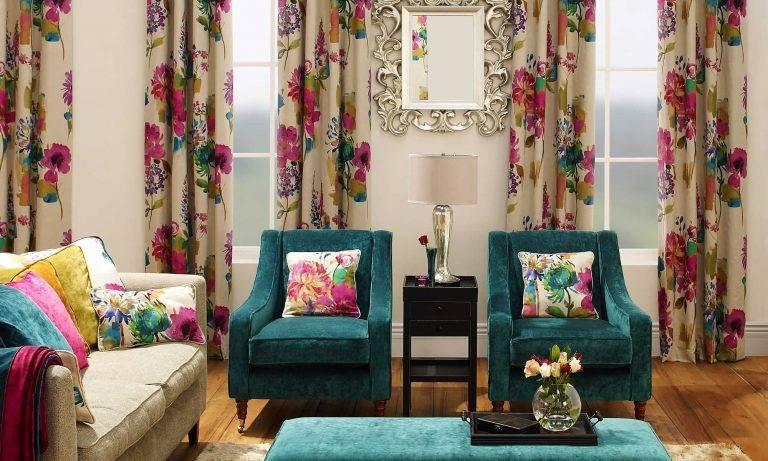 Шторы с принтом  (40 фото): с рисунком в полоску - полосатые, с цветочным и геометрическим принтом в гостиной и интерьере