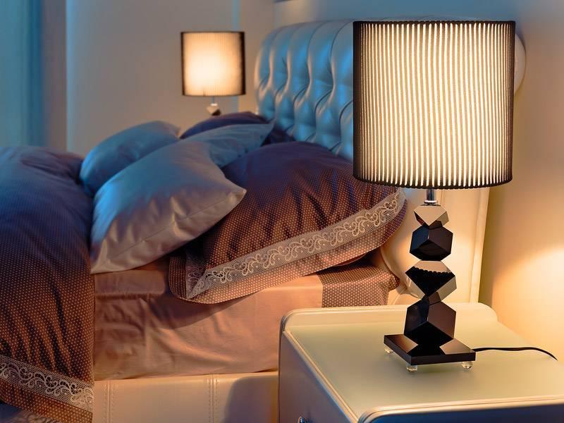 Светильники над кроватью: топ-10 популярных моделей и рекомендации по выбору лучшего