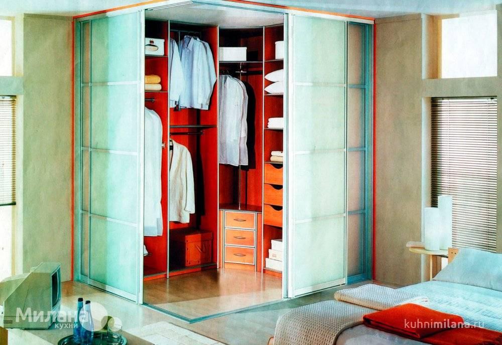 Встроенный шкаф купе в прихожую и коридор: современный дизайн, красивые и вместительные модели с зеркалом  - 36 фото