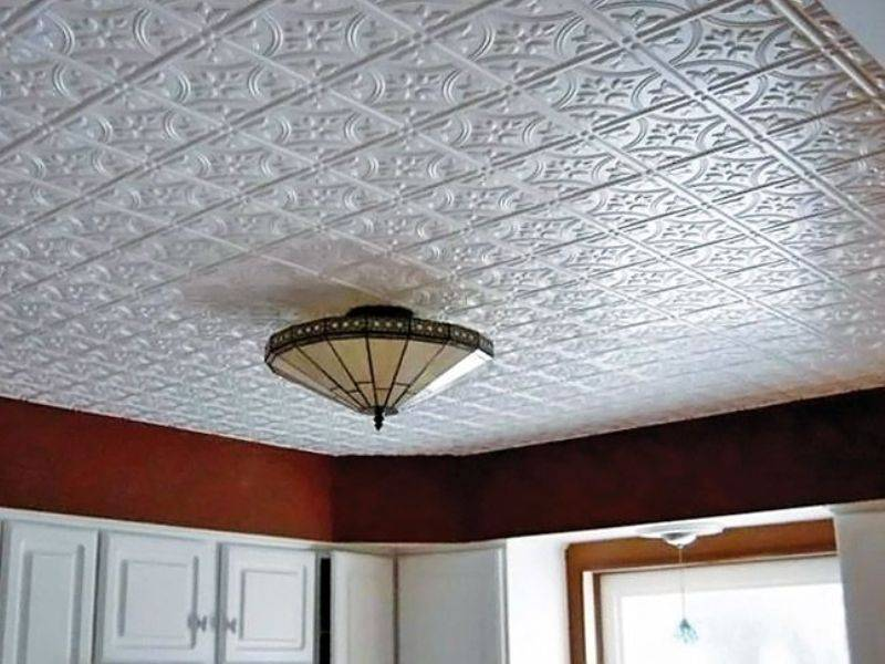 Самые модные варианты декора потолка