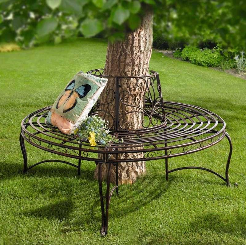 Скамейки вокруг дерева