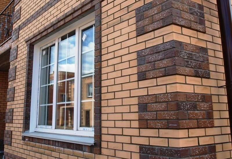 Фасады домов из кирпича, 75 фото видов плитки и дизайна отделки, современные и классические варианты