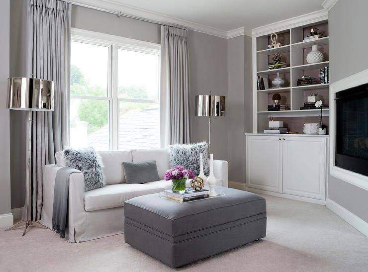 Как расположить диван в гостиной