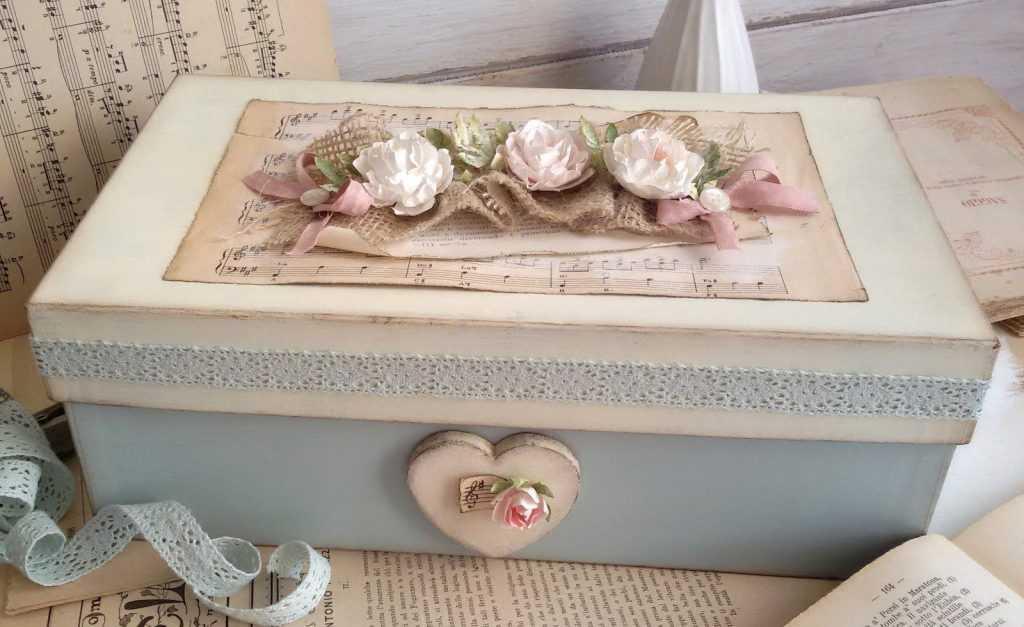 Поделки из коробок (102 фото): мастер-классы изготовления детских поделок из картонных, спичечных и яичных коробок