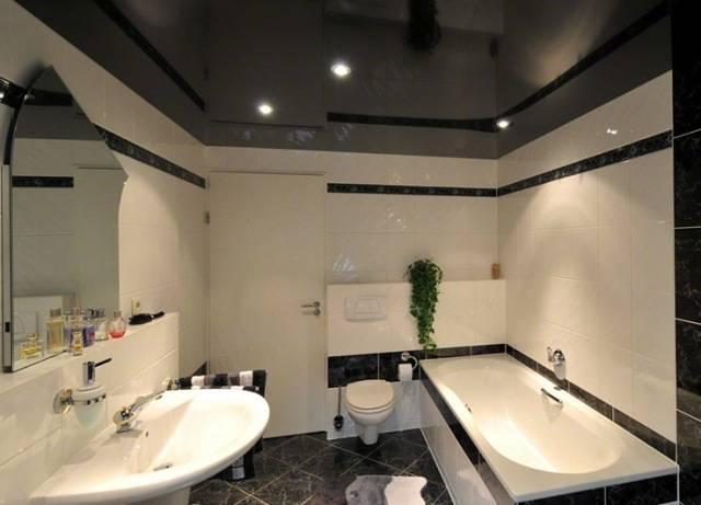 Можно ли делать натяжные потолки в ванной: обзор плюсов и минусов такого варианта