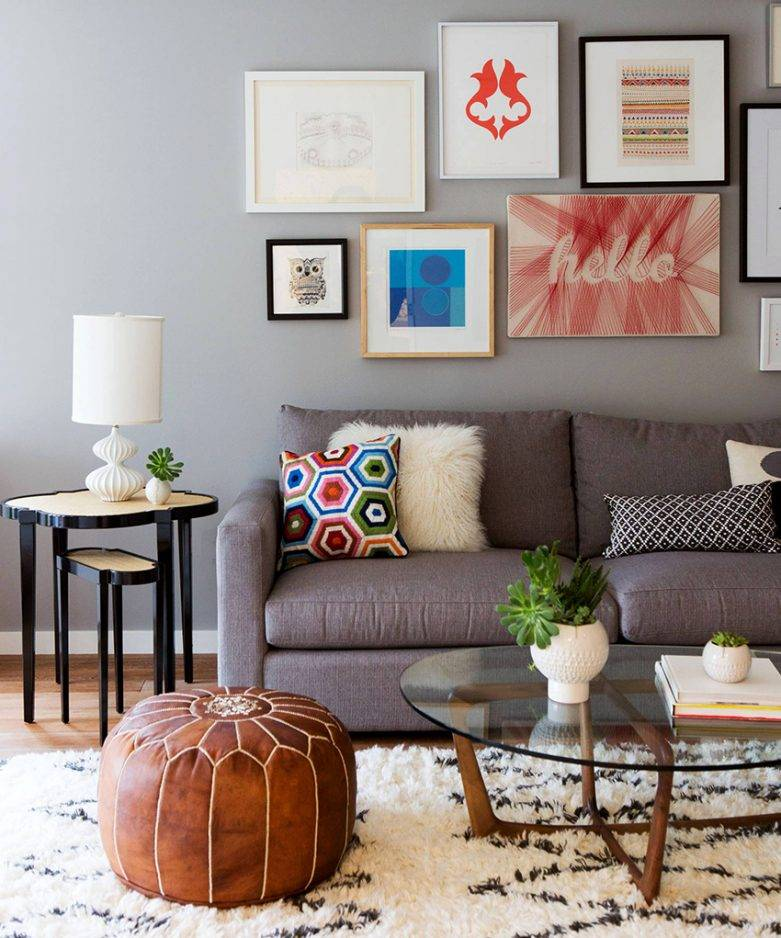 Оформление декора стен в зале: чем украсить гостиную в современном стиле