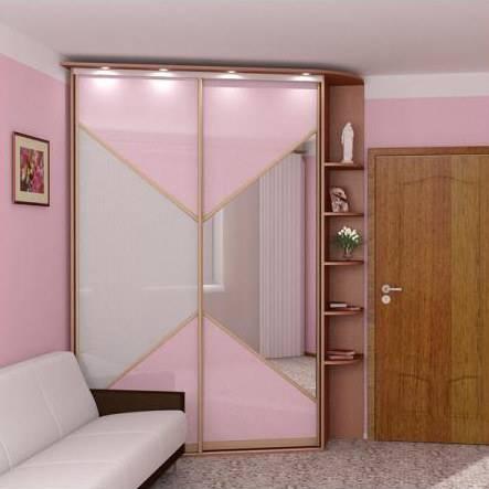 Фотографии примеров угловых прихожих для маленького коридора