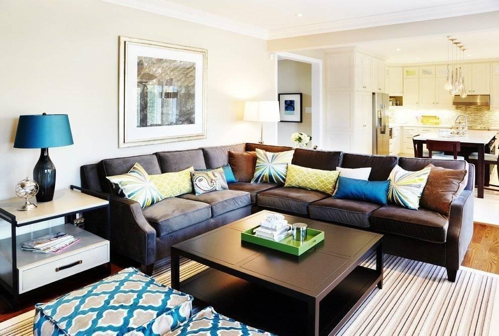 Коричневый диван в интерьере: как выбрать подходящую модель и оттенок