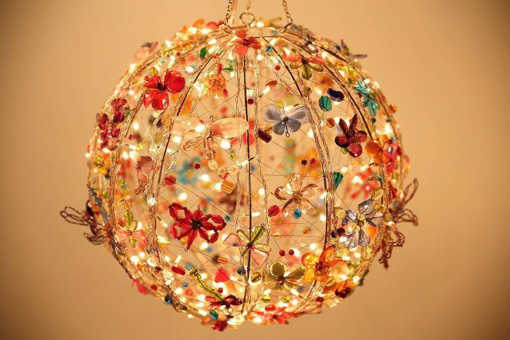 Люстра своими руками — мастер-классы создания из ниток, дерева, бумаги, ткани, стеклянных и пластиковых бутылок (138 фото)