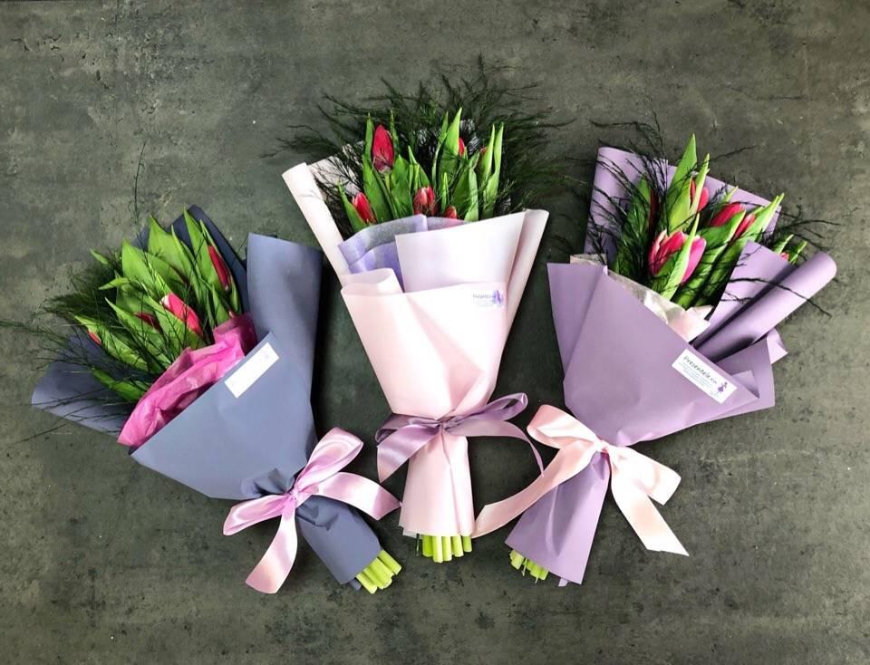 Как упаковать в пленку букет цветов