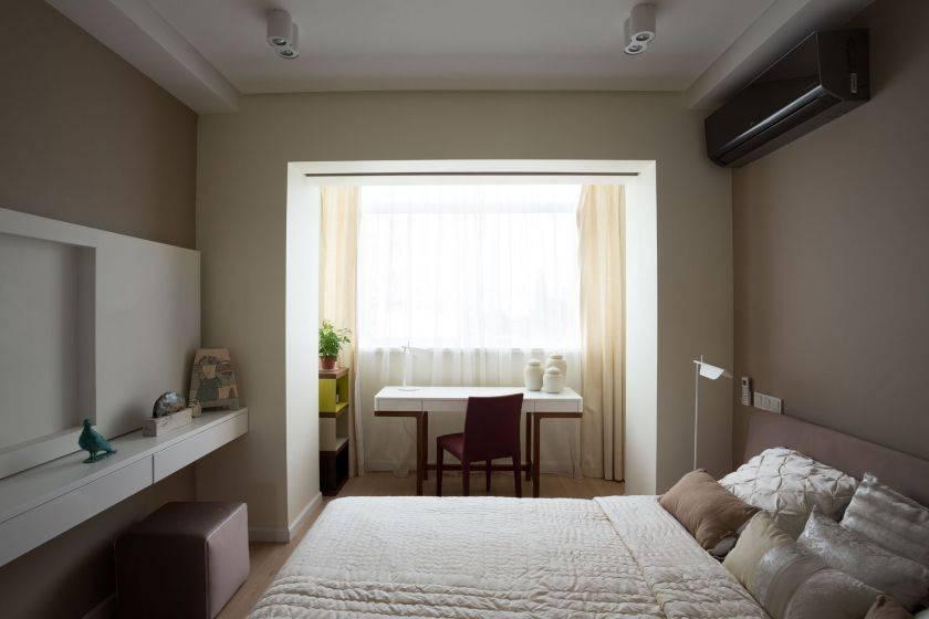 Дизайн спальни с балконом: примеры идеального сочетания цветов, планировки и зонирования (145 фото идей)