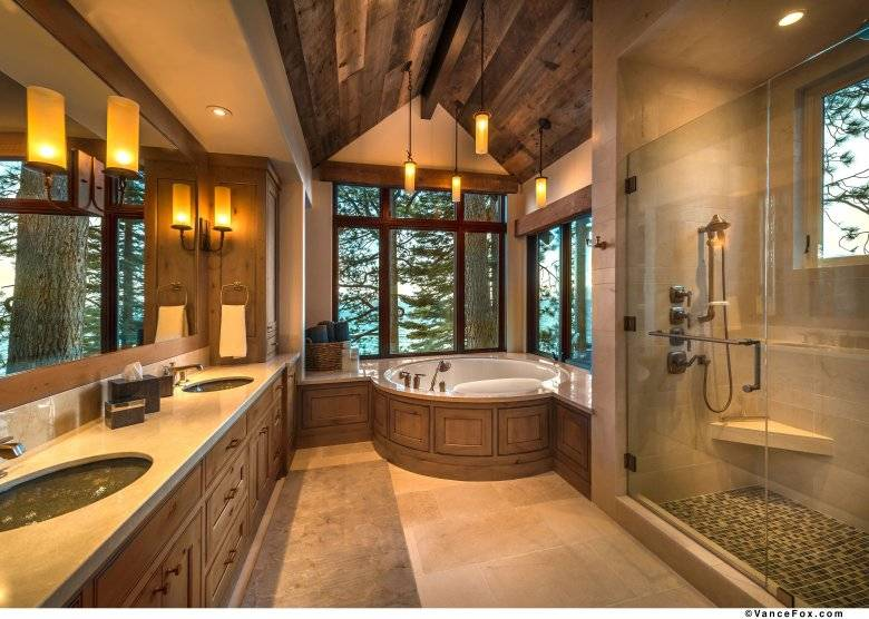 Большая ванная комната (75 фото): красивый дизайн помещения с окном, комнаты значительных площадей в частных домах и квартирах